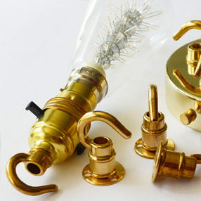 Group Photo of Lampholder Brass switched BC with hook