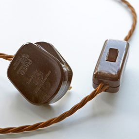 Group Photo of Brown plastic UK 3-Pin 3 Amp plug