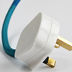 white plastic 3 pin plug