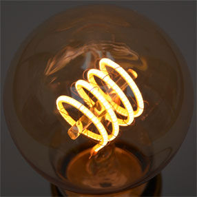 big bulb standard gold led curve filament es lit closeup cal 150x150
