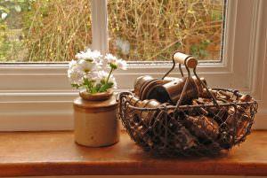 aged-lampholders-wire-basket